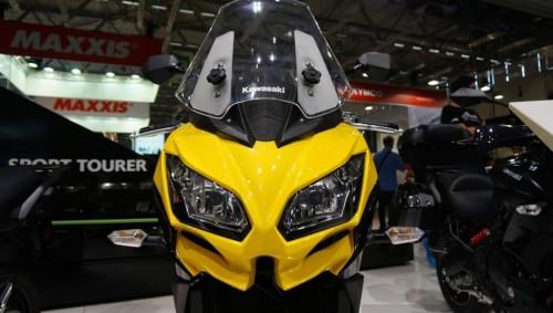2015-Kawasaki-Versys-650-headlamp-at-the-INTERMOT-2014.jpg