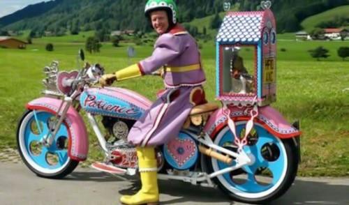 accesories-dick-on-bike.jpg